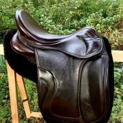 """Kingsley D1 dressuurzadel 17,5""""inch bruin- ook voor ponys"""