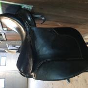 Mooi gebruikt dressuurzadel Knight Rider te koop 17,5 inch