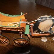 sier boerenkar met paard schaalmodel