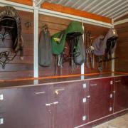 Te koop paardenboxen