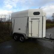 Te koop; 1,5 paards trailer