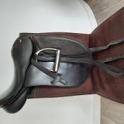 HKM dressuurzadel 18 inch te koop
