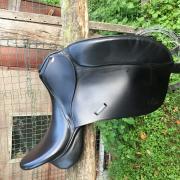 Dressuurzadel kentaur penelopa 18 inch compleet