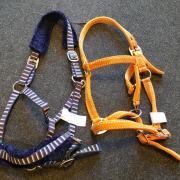 2X Halster maat full oranje en donkerblauw € 5,- per stuk