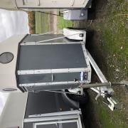 Sluis 1,5 paards trailer geschikt voor B rijbewijs