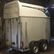 ATEC STARLINE 1,5 paards trailer izgst