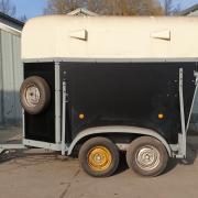 Nieuw opgebouwde 1,5 trailer Heja
