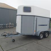 Titan Jelsum 1 1/2 paards trailer