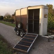Goede Ifor 2 paards trailer met voorlos (inruil mogelijk)