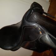 Dressuurzadel SeaBis 17,5 inch in uitstekende staat