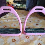 Roze stijgbeugels