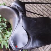 dressuurzadel albion slk 17,5 inch boommaat medium