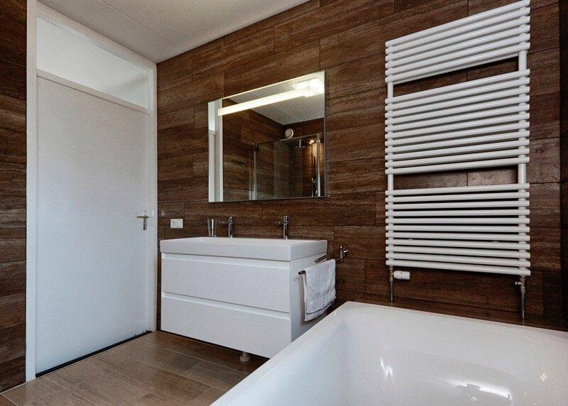 Badkamer Tegels Bruin : Welke kleur tegels in badkamer u bokt