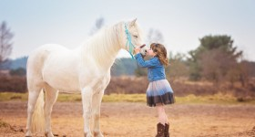 """Ayden Jane (5) en """"haar"""" Raafje"""