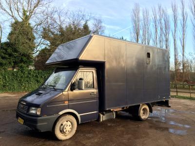 Wonderlijk Iveco Daily paardenwagen B rijbewijs | Bokt.nl TY-43