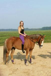 Paardrij instructrice gezocht