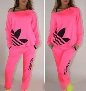 Fel roze adidas trainings pak L/XL | Bokt.nl